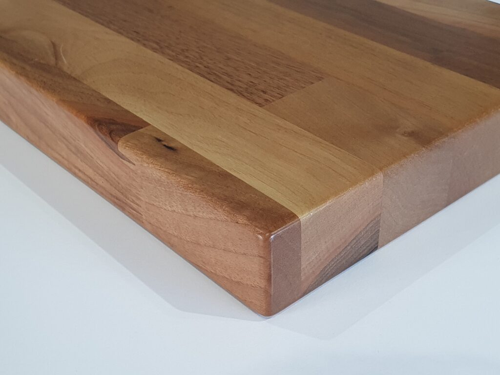 finger-jointed-woodsmiths-bench-top